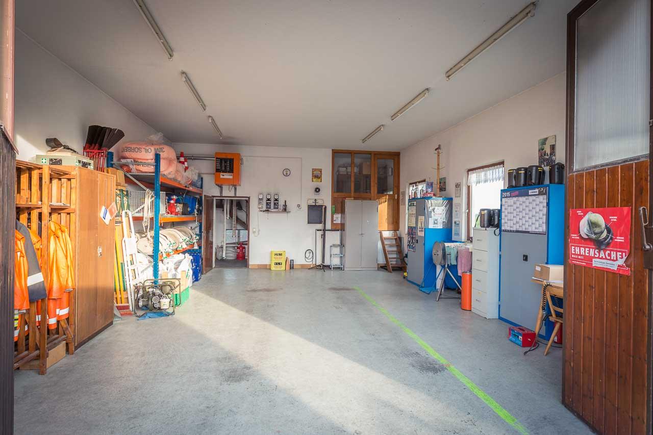 Feuerwehrgerätehaus Feuerwehr Ungetsheim innen