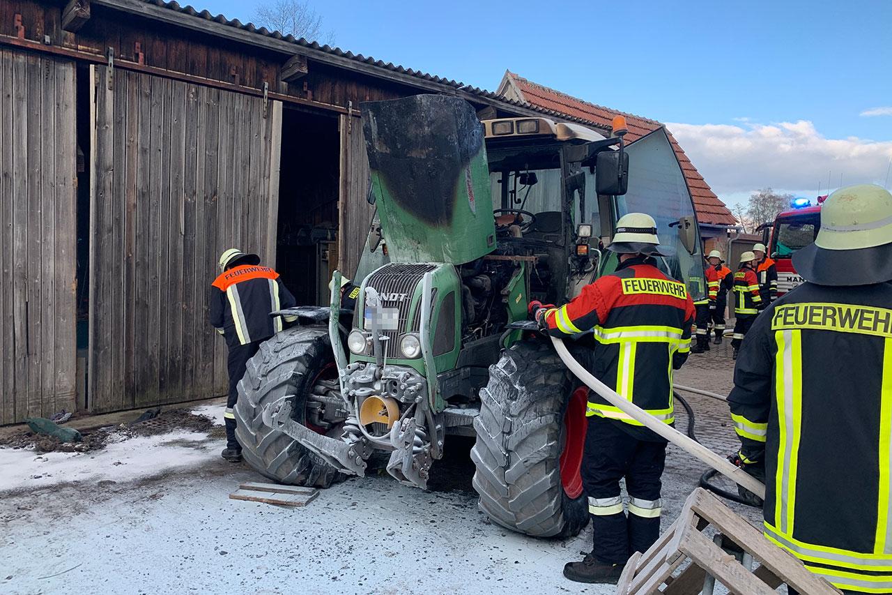 Brand Traktor Unterampfrach 31.03.2020