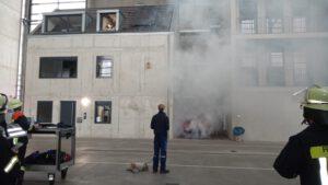 Rauch in der Übungshalle der SFWS Würzburg