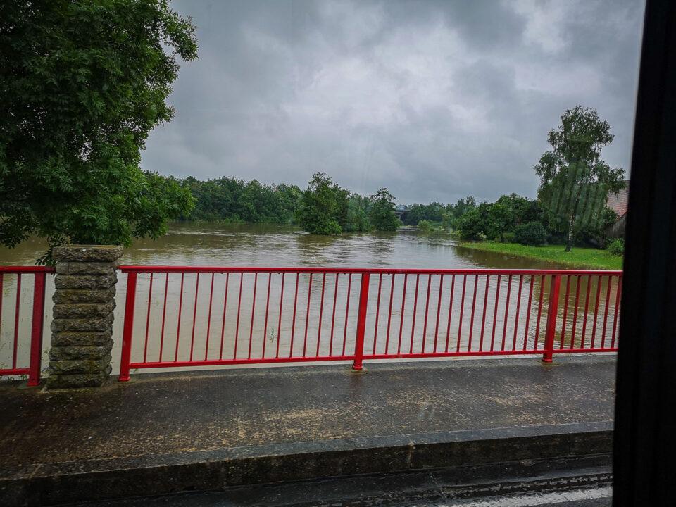 Fahrt über die Wörnitzbrücke in Zumhaus